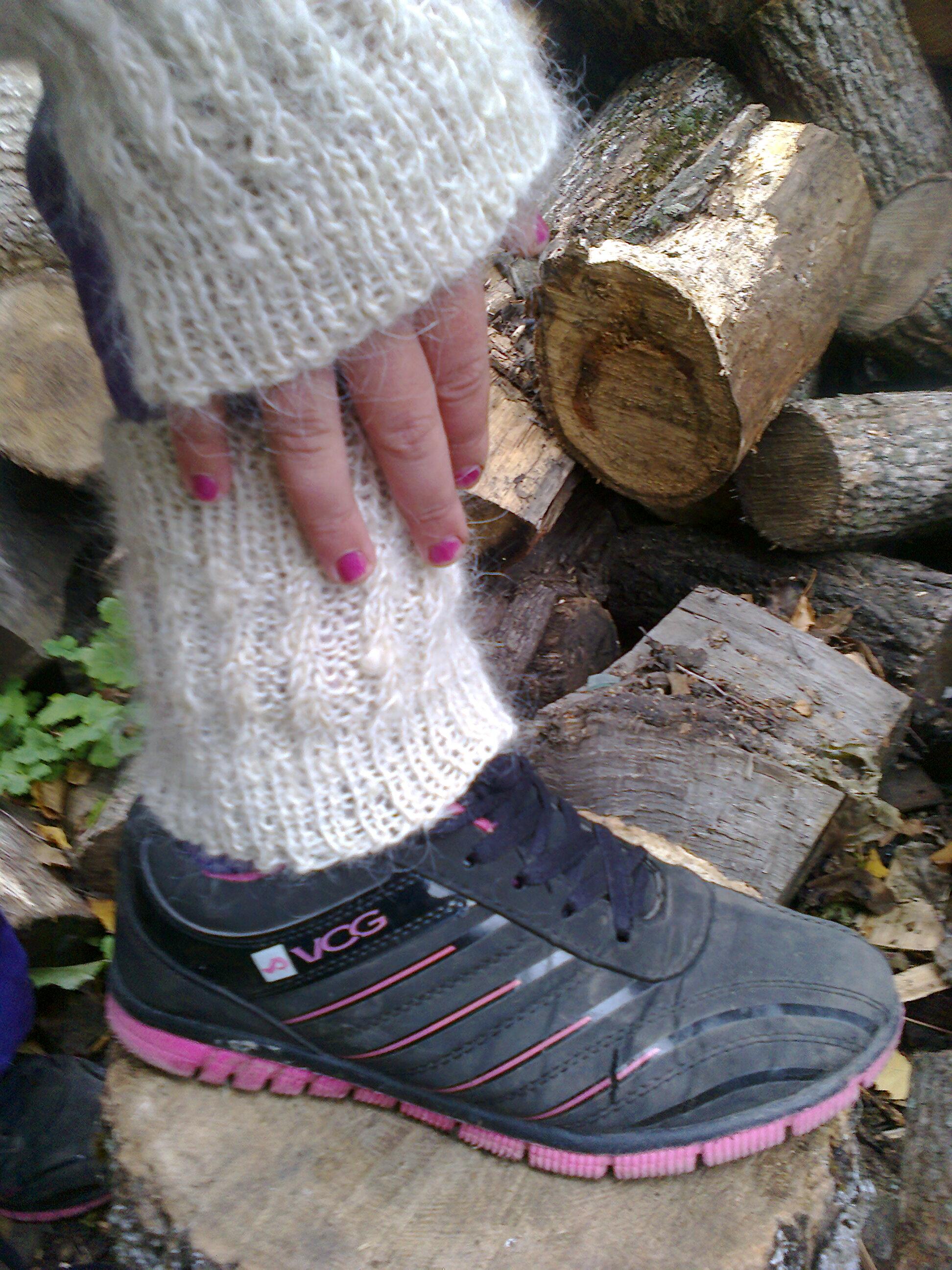 Связать по рукам и ногам девушку 7 фотография