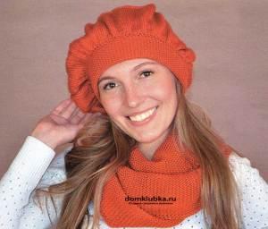 Головной убор и шарф вязанный спицами