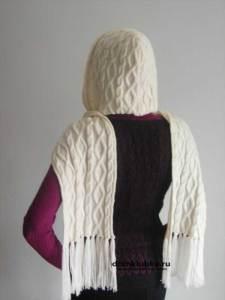 Красивый шарф капюшон на зиму с кистями