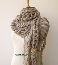 Оригинальный шарф связанный спицами