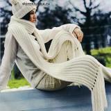 Белый шарф спицами резинкой