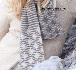 Шарф со снежинками и полосками