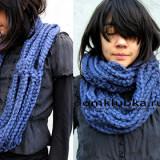 Модный синий шарф