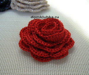 Аксессуар красная роза