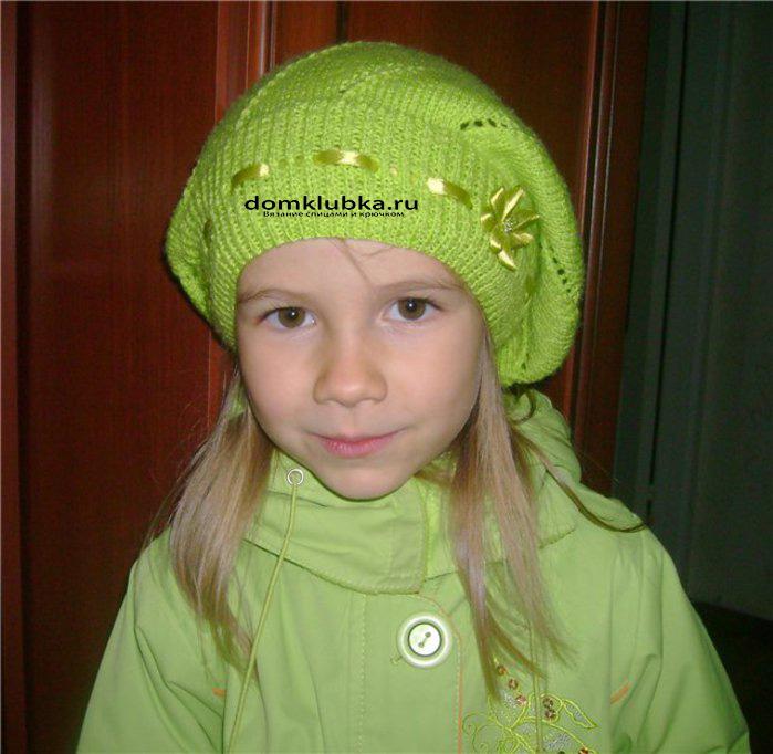 Зелёный стильный берет