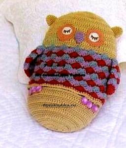 коричневая подушка сова