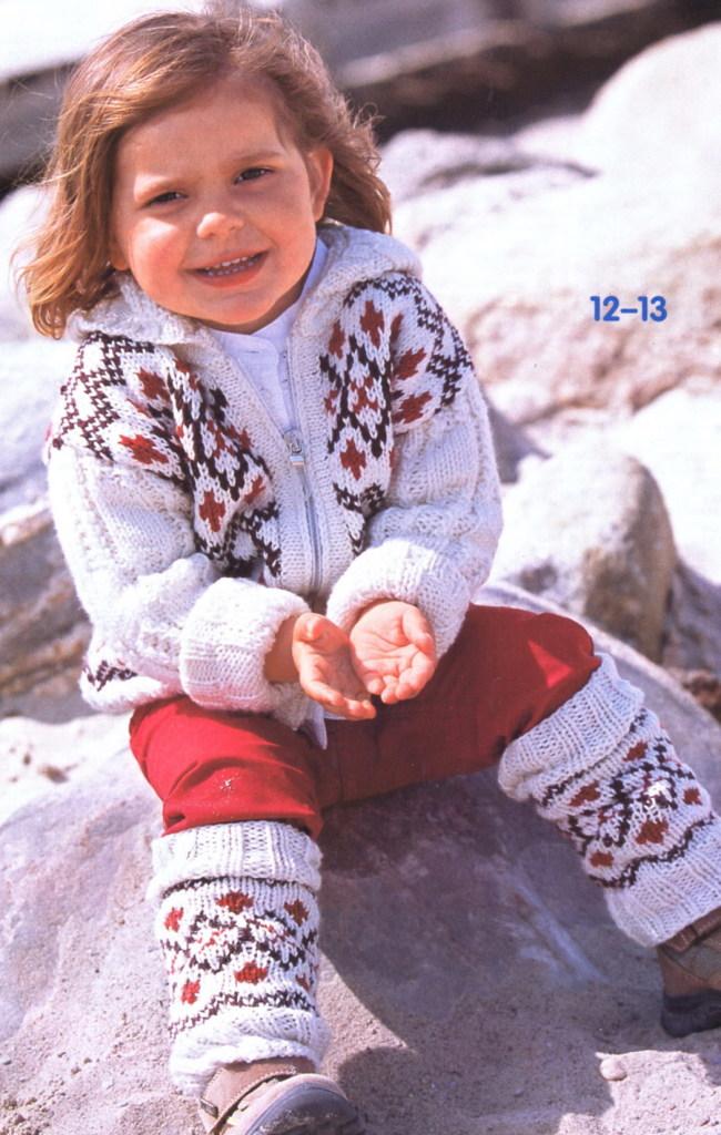 Девочка в гетрах с норвежским узором