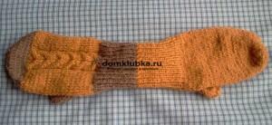 Оранжевые двойные рукавицы с косами
