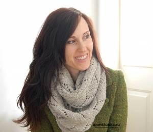 Серый ажурный шарф снуд
