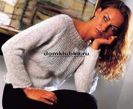 Модный пуловер из мохера спицами
