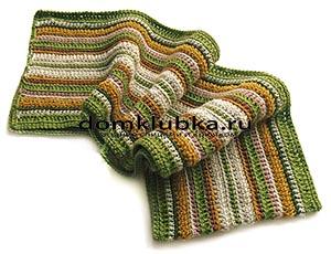 Полосатый шарф связанный спицами