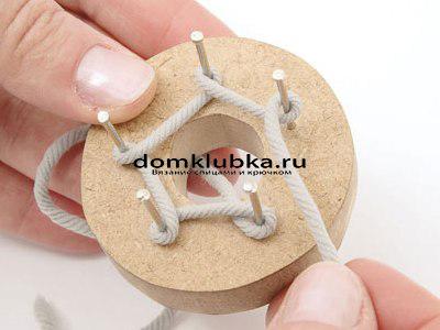 Плетение круглого пояса-шнура - процесс вязания №3