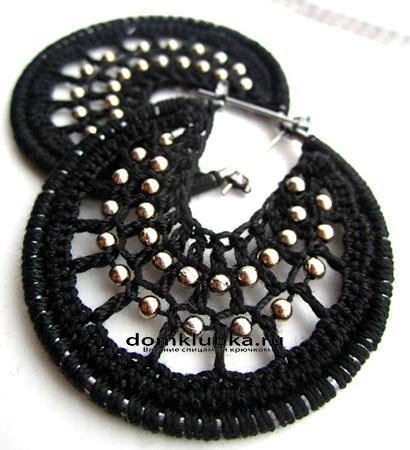 Классические чёрные с серебристыми бусинками