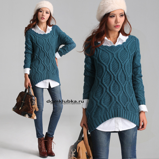Красивый свитер темно-бирюзового цвета