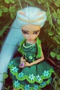 Вязанное платье с декором